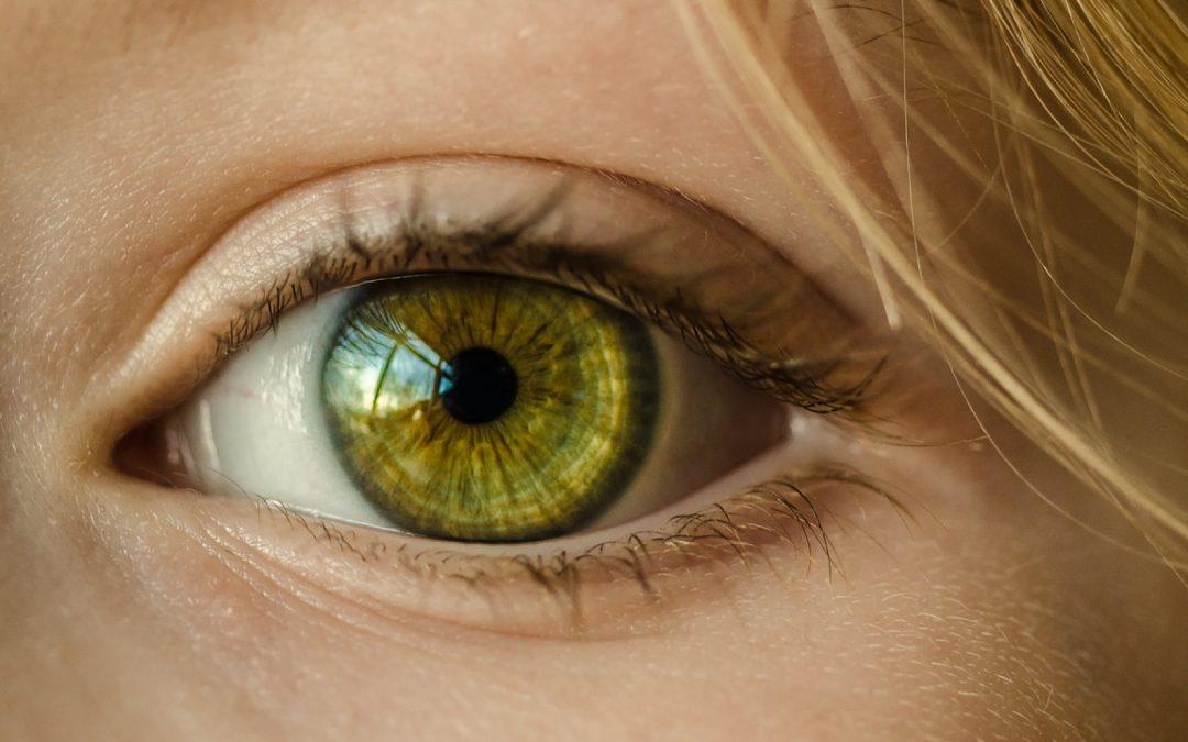 Des lentilles insolites Sharingan pour parfaire vos tenues
